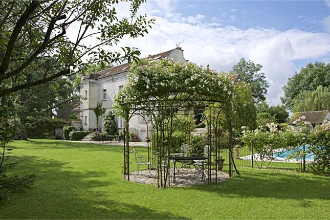 Thumbnail Property for sale in Seine-Et-Marne, France