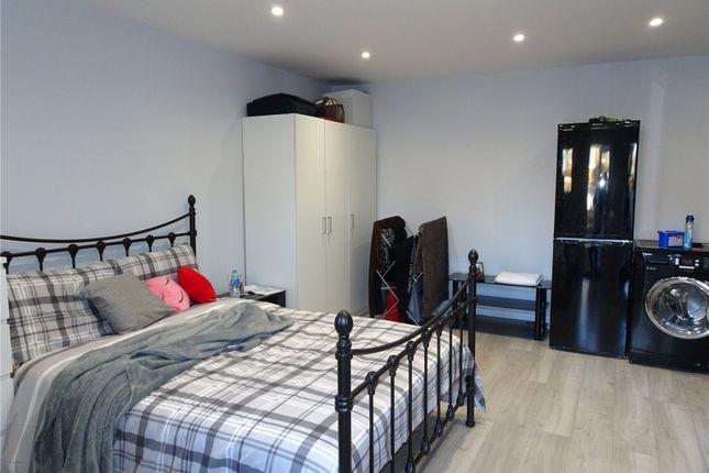Studio to rent in Clifton Garden, Hillingdon, Middlesex