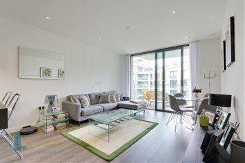 Thumbnail Flat to rent in Piazza Walk, Goodman's Fields, Aldgate