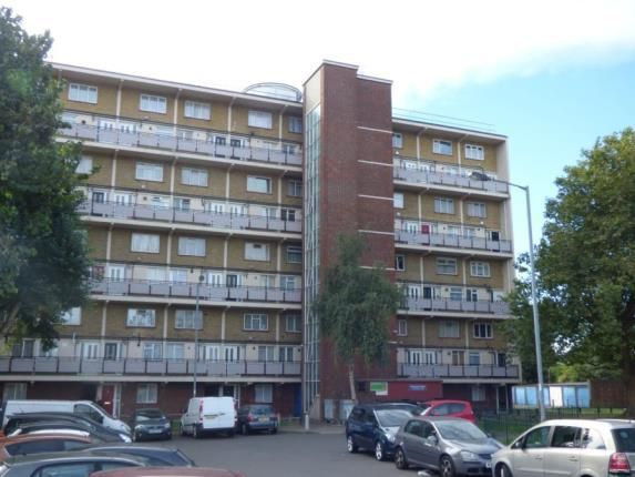 2 bed flat for sale in Wadham House, College Close, London