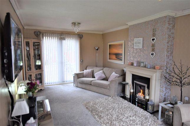 Thumbnail Property for sale in Berwick Close, Heywood