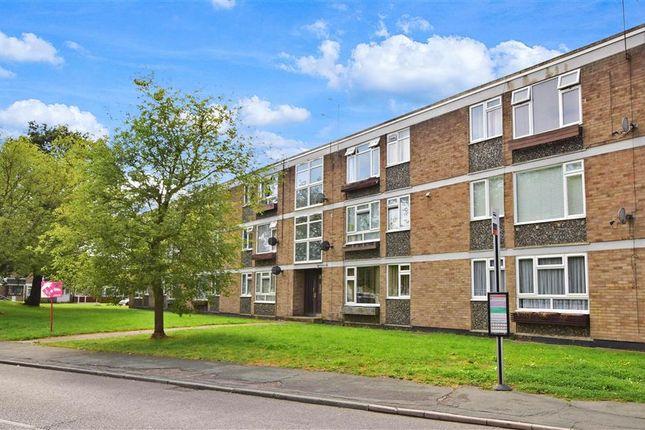 Thumbnail Flat for sale in Ballards Walk, Lee Chapel North, Basildon, Essex