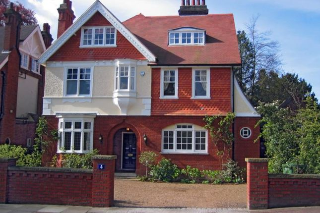 Thumbnail Detached house to rent in Southborough Road, Southborough