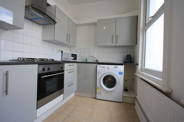 4 bed terraced house to rent in Raleigh Road, Penge SE20