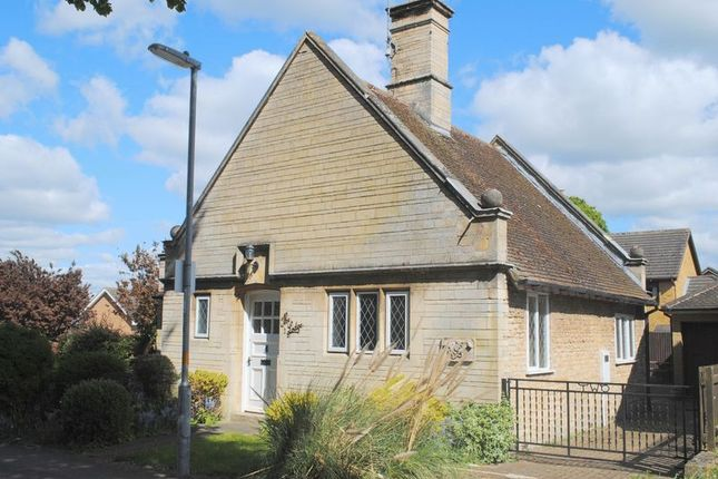 Thumbnail Bungalow to rent in The Drive, Wymington Road, Rushden