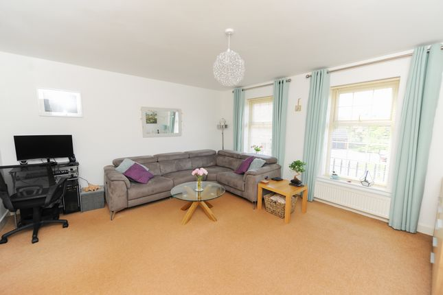 Lounge of Hartfield Close, Hasland, Chesterfield S41