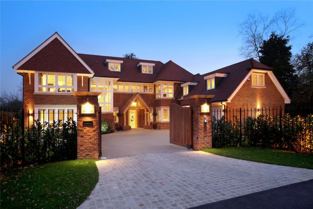 Thumbnail Detached house for sale in Gregories Road, Beaconsfield