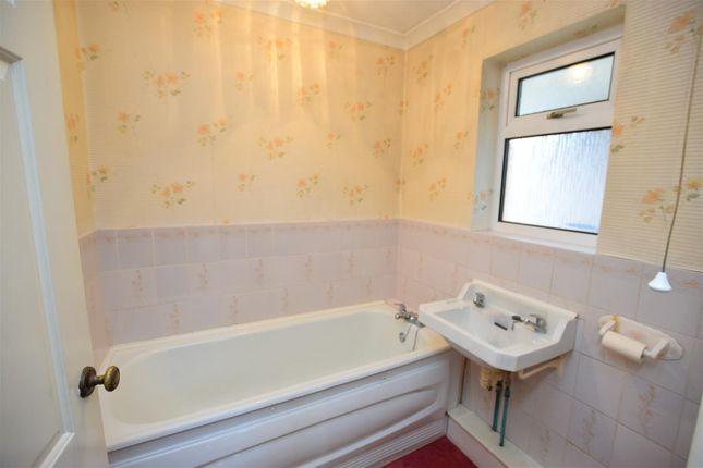 Bathroom of Linden Road, Dunstable LU5