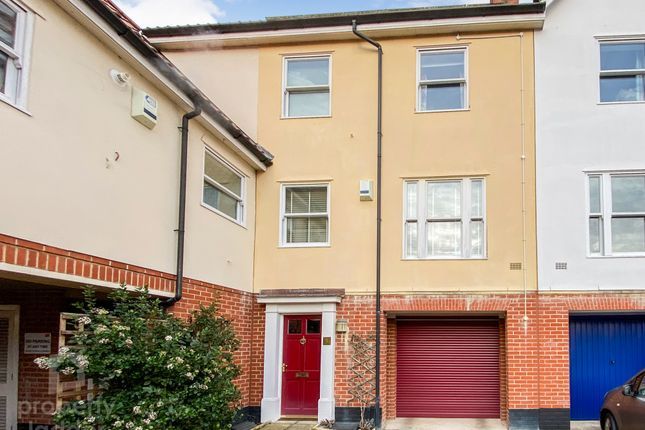 Thumbnail Town house for sale in Indigo Yard, Norwich