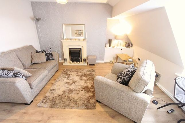 Flat to rent in Gordon Road, Seaforth, Liverpool