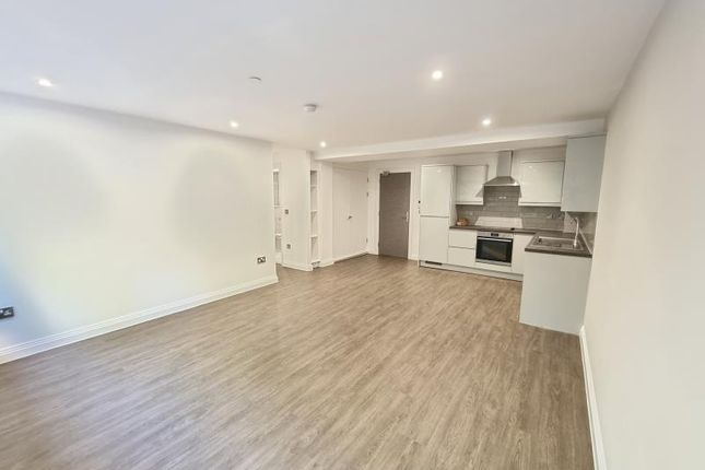 Thumbnail Flat to rent in 160 Lichfield Road, Sutton Coldfield