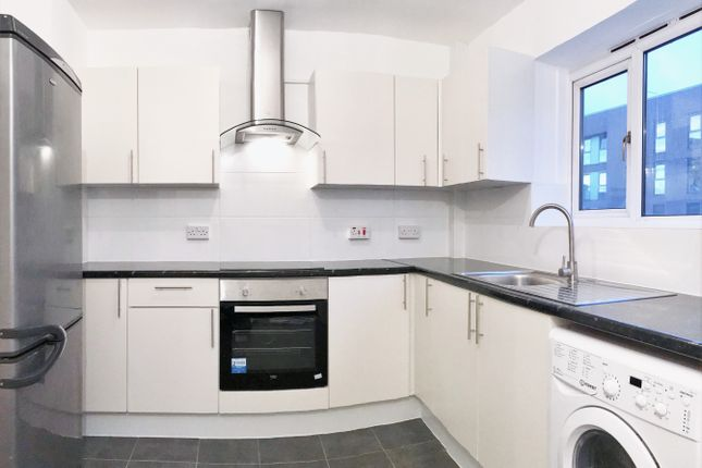 Thumbnail Flat to rent in Whiston Road, London Fields