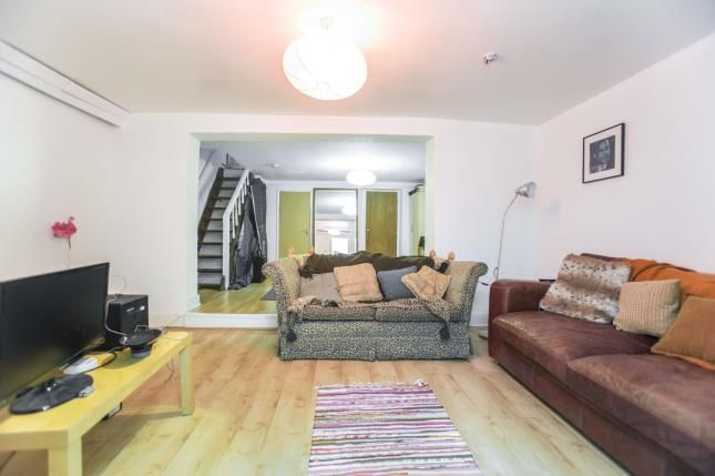 Thumbnail Maisonette for sale in Hackney, London, England