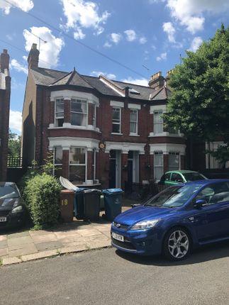 3 bed flat to rent in Salisbury Road, Harrow