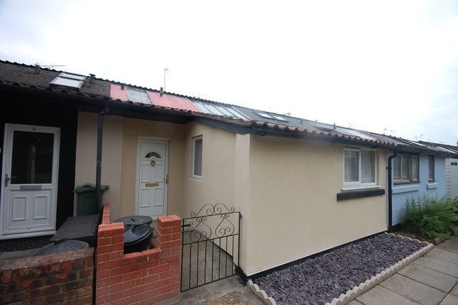 Thumbnail Terraced house for sale in Stebbings, Langdon Hills, Essex