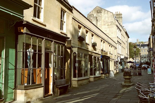 Thumbnail Flat to rent in Margarets Buildings, Bath