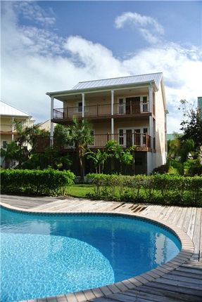 3 bed property for sale in Doubloon Road, Freeport, Grand Bahama