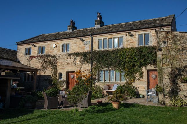 Thumbnail Farmhouse for sale in Delfs Farm And Barn, Delfs Lane, Cottonstones, Triangle