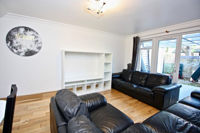 3 bed end terrace house to rent in Stevenage Road, Fulham, London