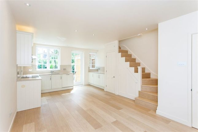 3 bed property to rent in Westholm, London