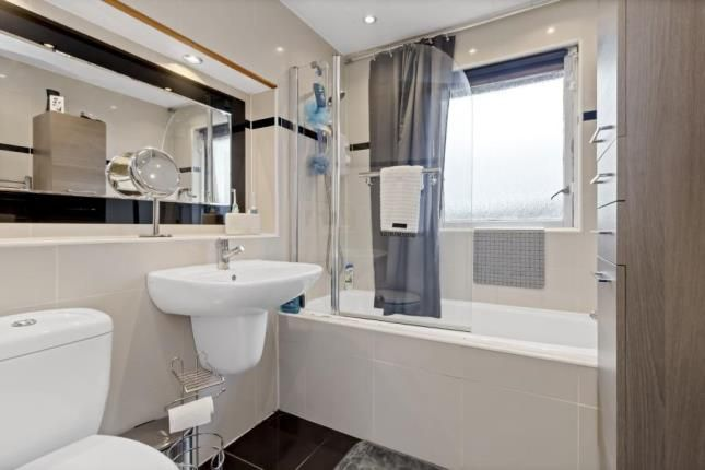 Family Bathroom of Stewart Crescent, Barrhead, Glasgow, East Renfrewshire G78