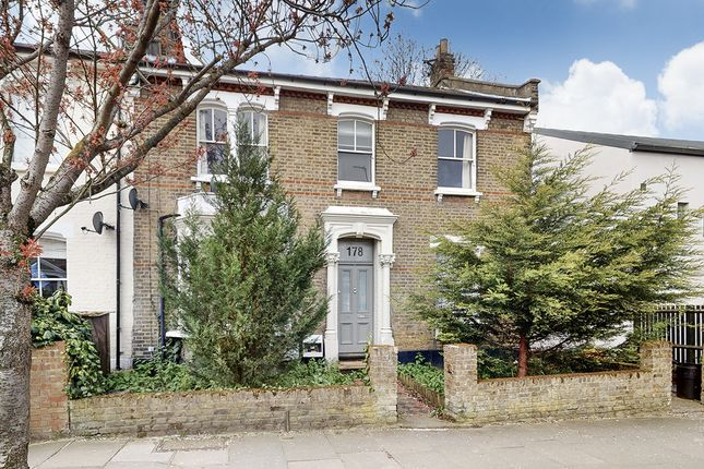 Thumbnail Flat to rent in Highbury Hill, Highbury