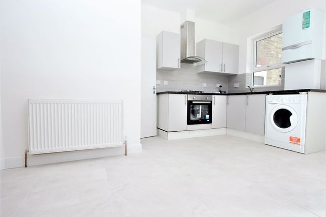 4 bed property to rent in Arnold Road, London N15