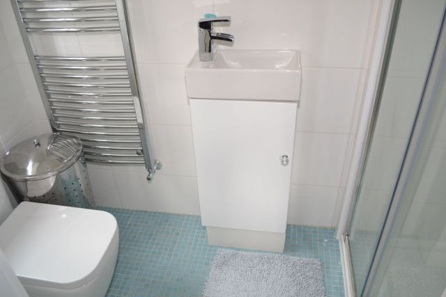 Ensuite of Attlee Close, Spinney Hill, Northampton NN3