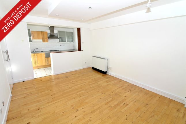 2 bed flat to rent in Regents Court, Pownall Road, London E8