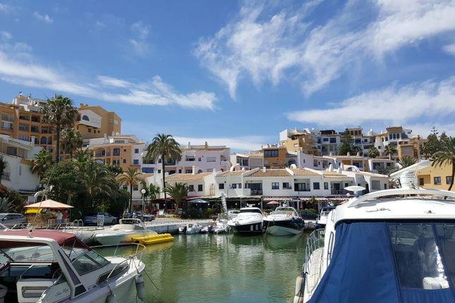 Thumbnail Pub/bar for sale in Puerto De Cabopino, Marbella, Málaga, Andalusia, Spain