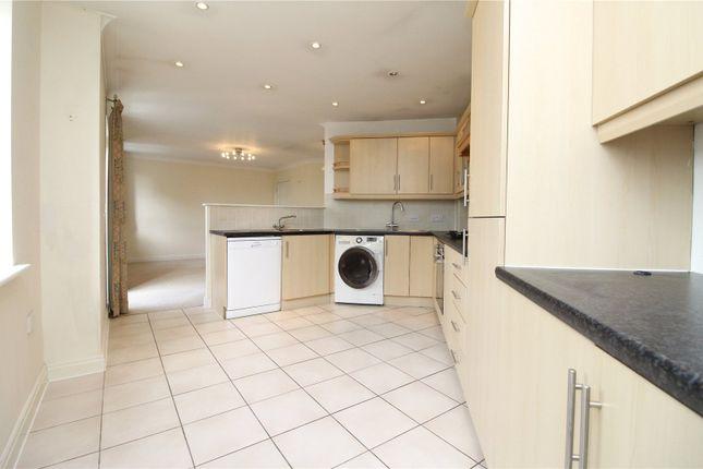 Thumbnail Flat to rent in Shillingford Close, London