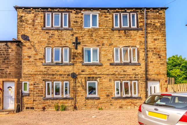 Thumbnail Flat for sale in Carrs Close, Dewsbury