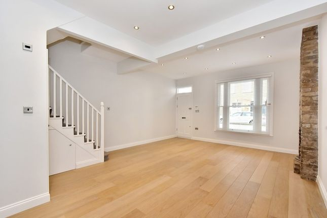 Thumbnail Property to rent in Orbain Road, Fulham