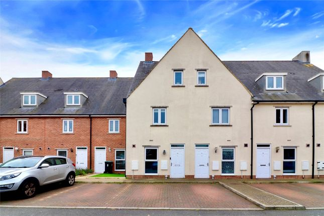Thumbnail Detached house for sale in School Mead, Abbots Langley