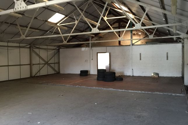 Warehouse to let in Granville Street, Newport