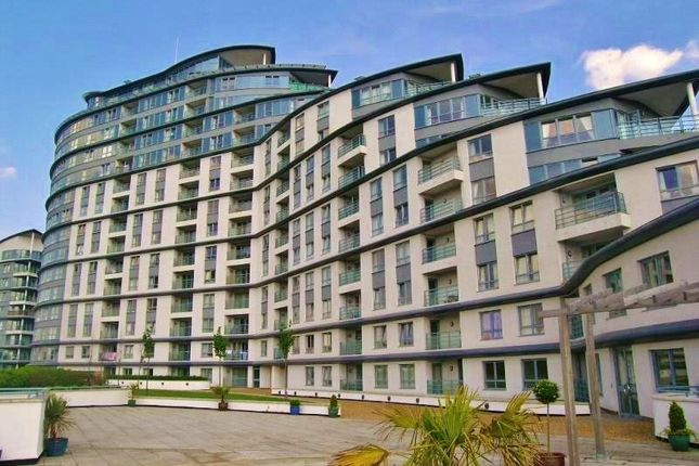 Thumbnail Flat to rent in Station Approach, Woking, Surrey