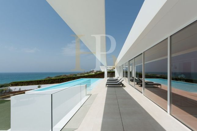 Thumbnail Villa for sale in Luz, Luz, Lagos