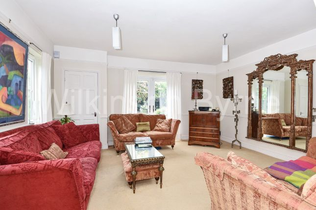 Thumbnail Detached house for sale in Queens Road, London