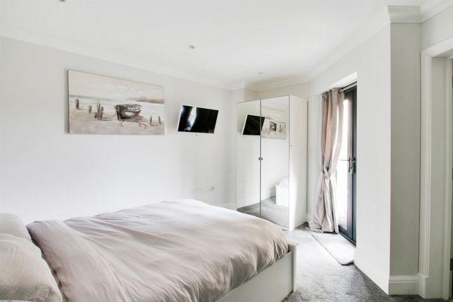 Bedroom 1 of Hortons Way, Westerham TN16