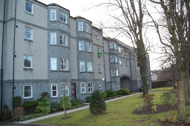 Thumbnail Flat to rent in Holburn Street, Abedeen