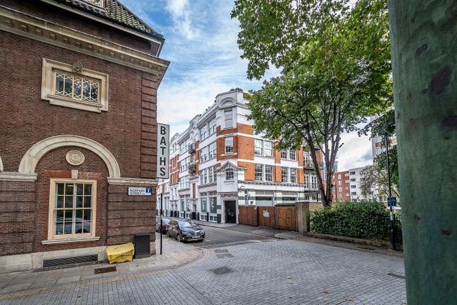 3 (1) of Ironmonger Row, Clerkenwell EC1V