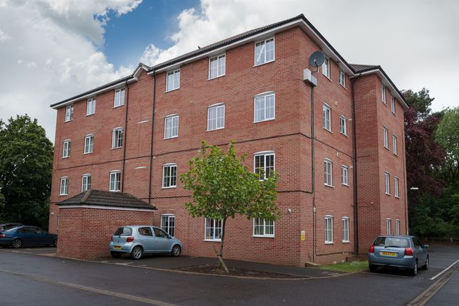 Thumbnail Flat for sale in Galahad Close, Yeovil