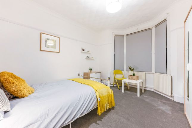 Thumbnail Shared accommodation to rent in Prospect Avenue, Strood, Rochester