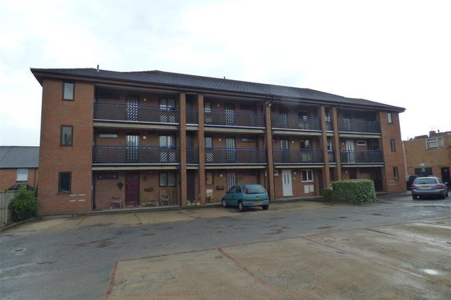 Thumbnail Property to rent in Coronation Terrace, Stoke Road, Aston Fields, Bromsgrove