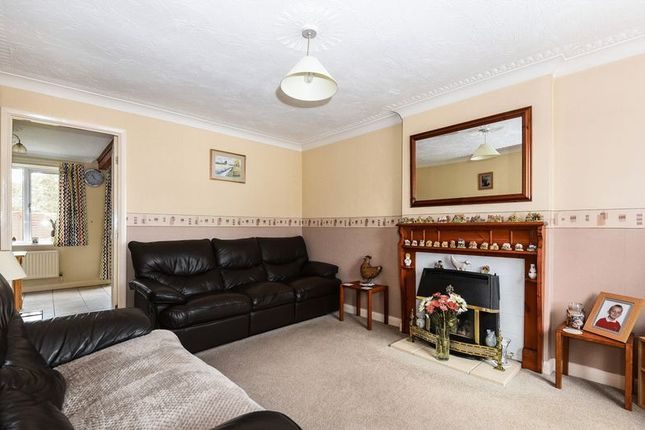 Thumbnail Property for sale in Beckdale Close, Bicester