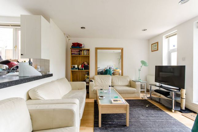 Thumbnail Flat to rent in Beechdale Road, Brixton Hill