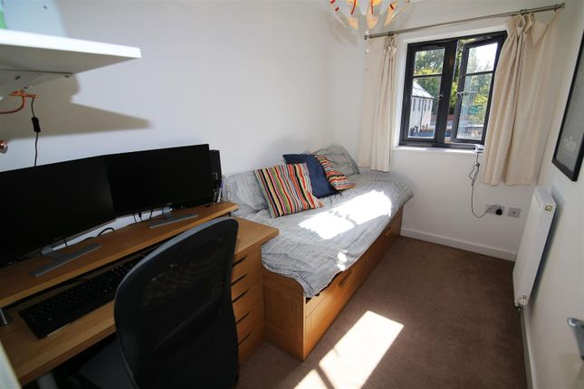 Bedroom 3 of Perreyman Square, Tiverton EX16