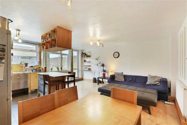 Flat for sale in Barsons Close, Penge, London