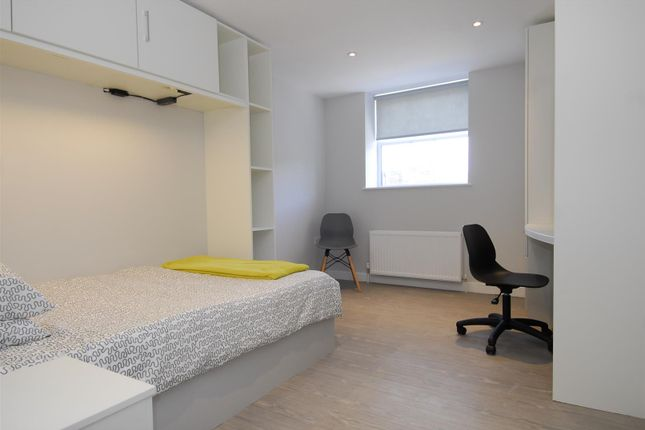 Thumbnail Flat to rent in Cornwall Street, Plymouth