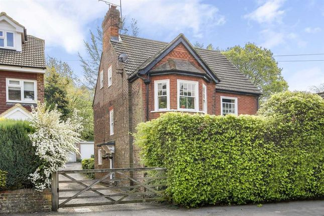Thumbnail Flat for sale in Lion Lane, Haslemere